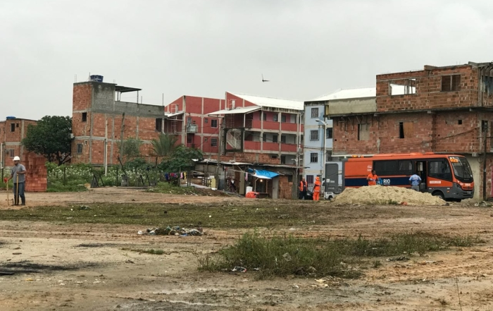 Crivella anuncia 600 moradias e escola na zona norte