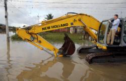 Prefeitura faz mutirão em Guaratiba para ajudar vítimas das fortes chuvas